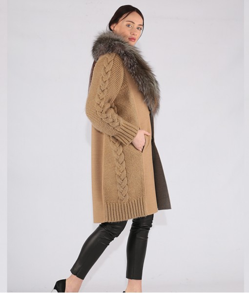 Luxury Cashmere Coat With Fox Collar